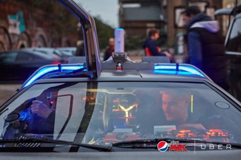 "pepsi max stills9 - Grandes marcas comemoram o ""Back to the Future day"""