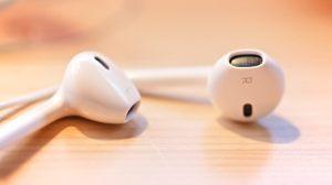 Apple está desenvolvendo fones de ouvido sem fio com longa duração de bateria