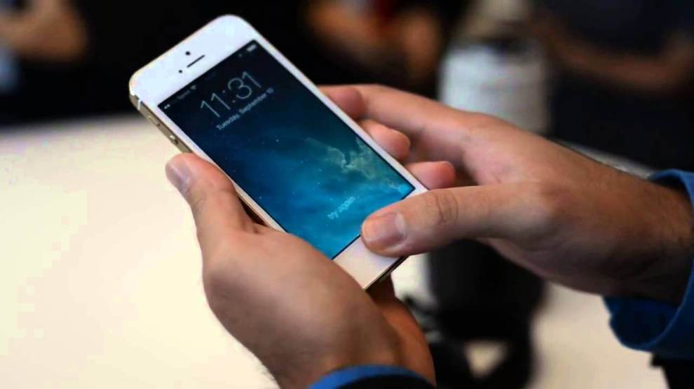 Botão home do iPhone está apresentando defeito? Aprenda a configurar o AssistiveTouch para usar o celular sem problema.