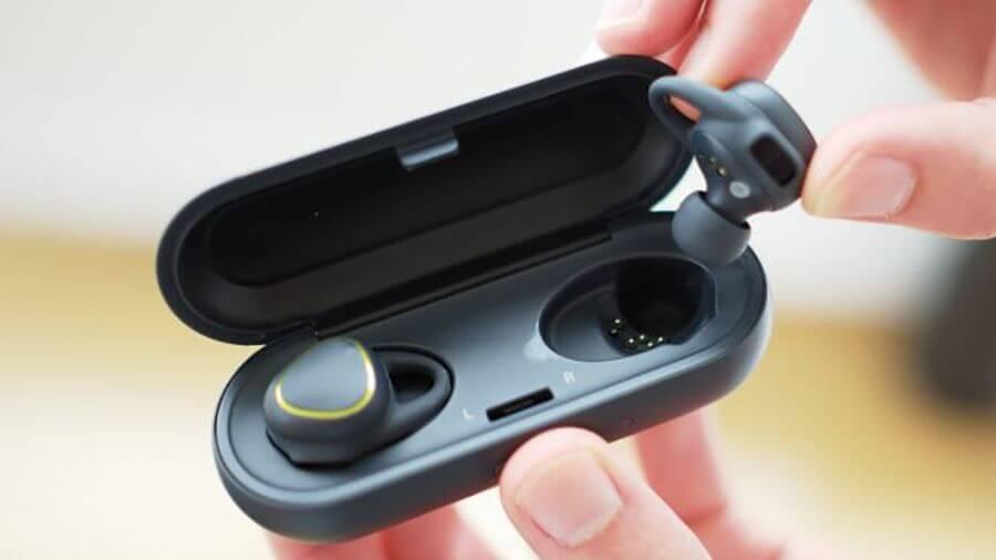 [Rumor] Galaxy S8 pode vir com um fone de ouvido ao estilo AirPods 8
