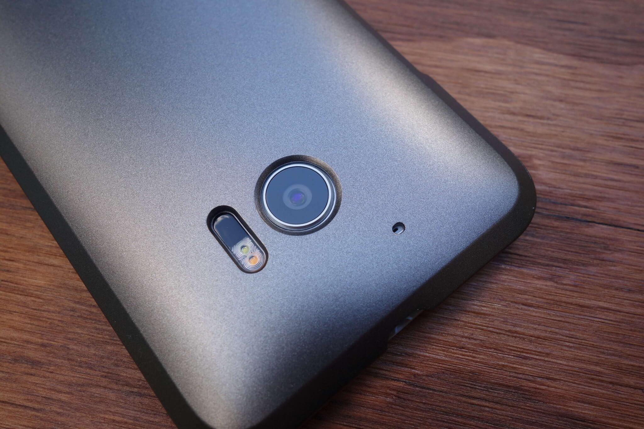Spigen HTC 10 thin fit gunmetal 8 - [Rumor] HTC 11 virá com Snapdragon 835 e 6 GB de memória RAM