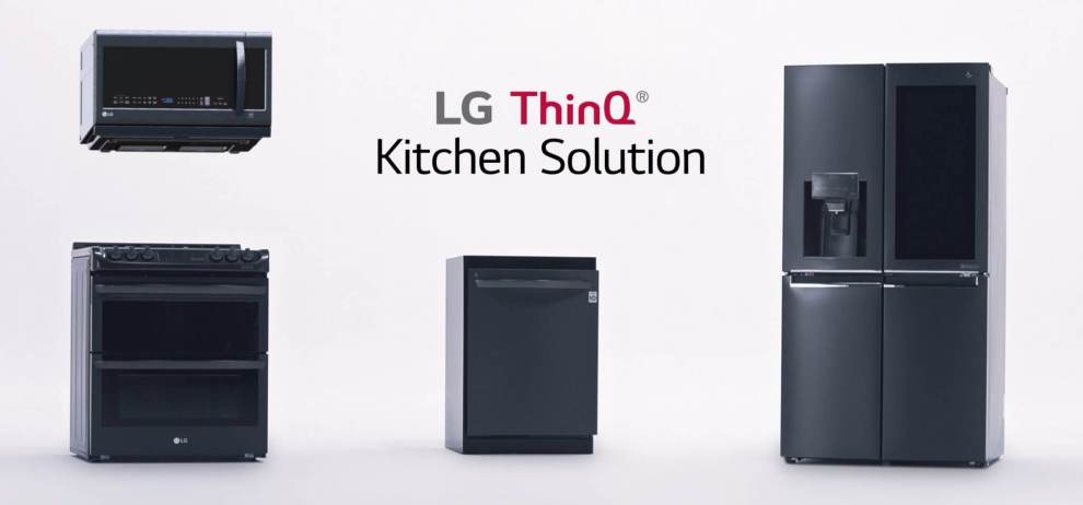 LG ThinQ Kitchen Solution Release - CES 2018: LG apresenta refrigerador ThinQ com tela de 29 polegadas