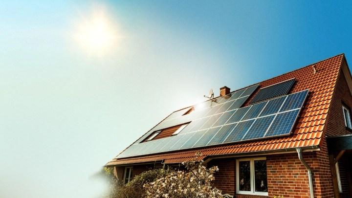 BNDS energia solar 720x405 - BNDES passa a permitir que pessoas físicas invistam em energia solar no Brasil