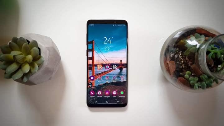 Samsung cria tela OLED inquebrável 7