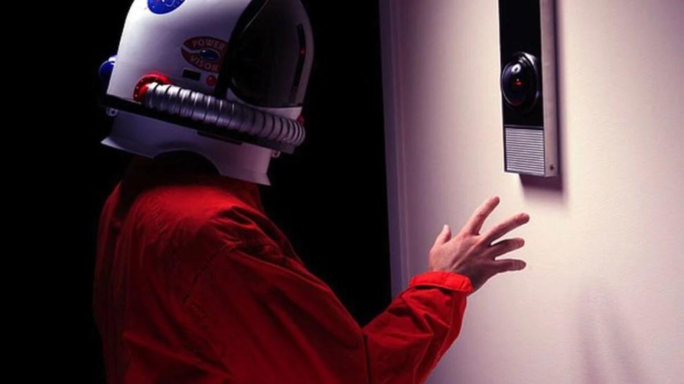 Empresa lança réplica perfeita do famoso HAL 9000 6
