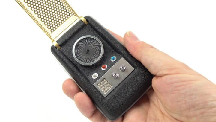 star trek communicator 840x476 720x408 - Passado: como séries e filmes antigos imaginavam o smartphone