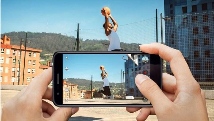 O foco automático com velocidade garante fotos tiradas em movimento sem borrões