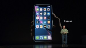 Anúncio do iPhone XR Face ID com interface por gestos
