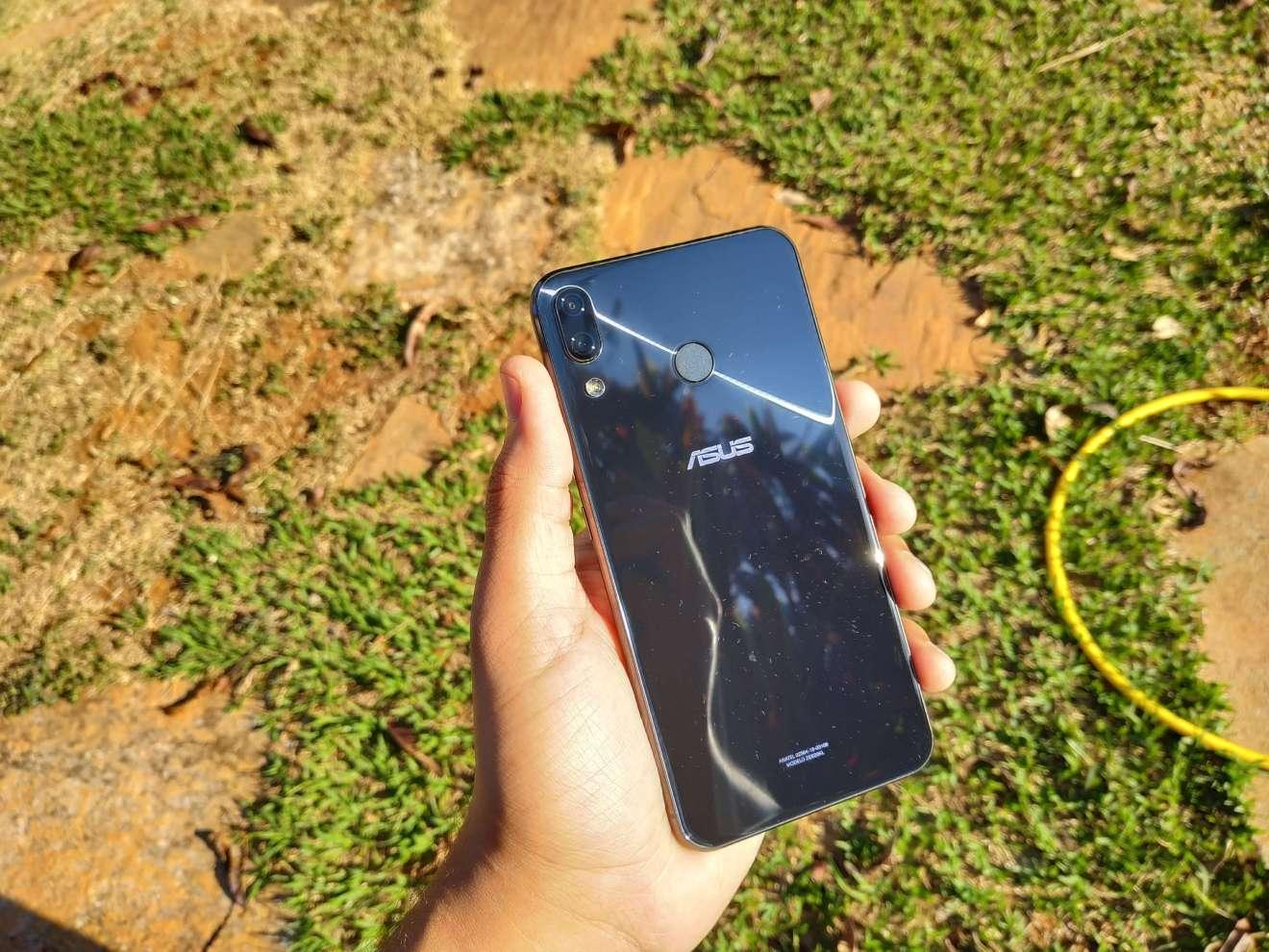 Zenfone 5Z, Traseira