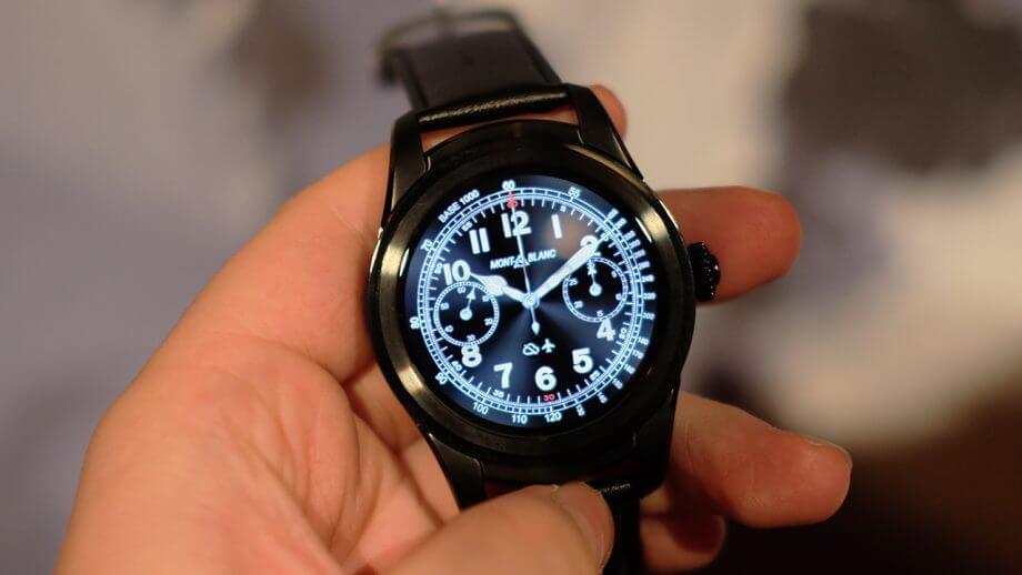 Relógio Montblanc Summit 2 que possui o Snapdragon Wear 3100, processador fabricado pela Qualcomm