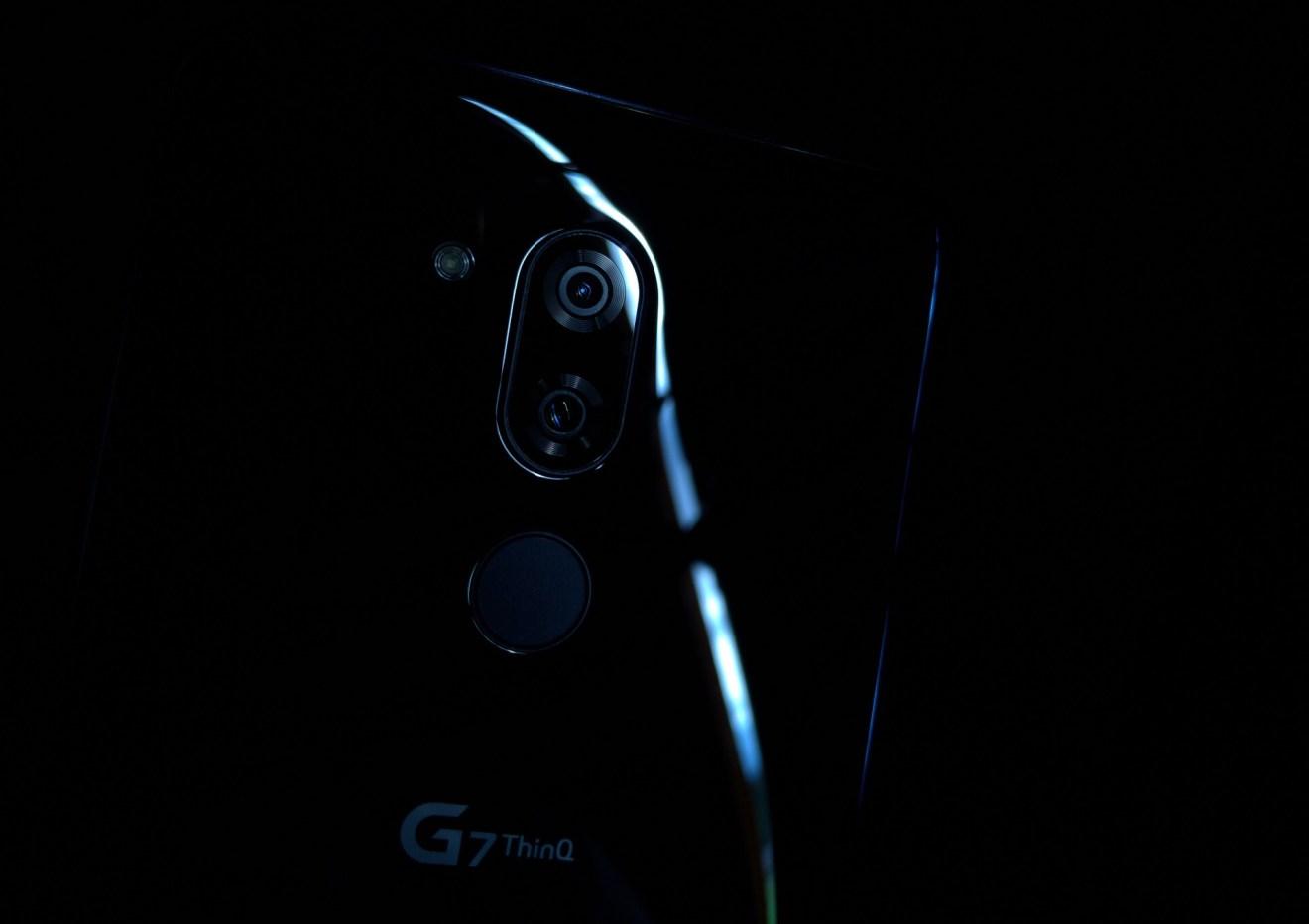 LG G7, Design, Câmera
