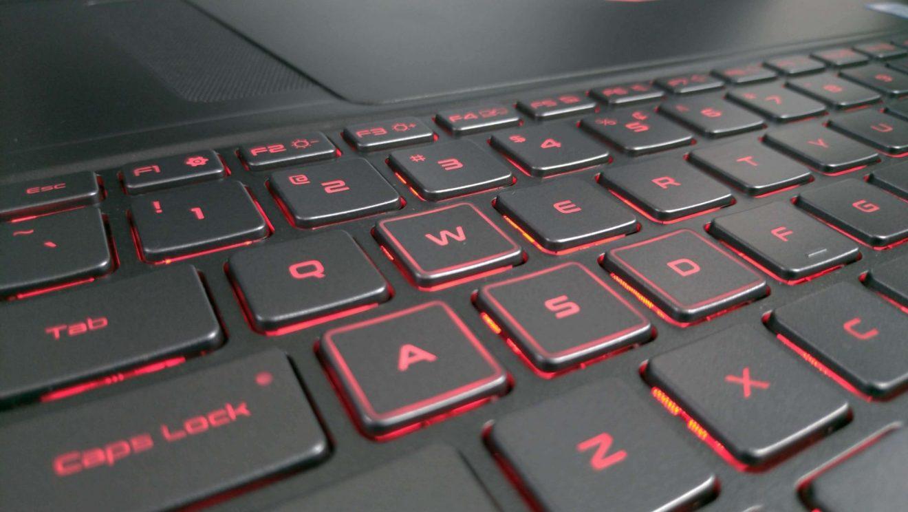 O teclado do Odyssey Z destaca as teclas para games