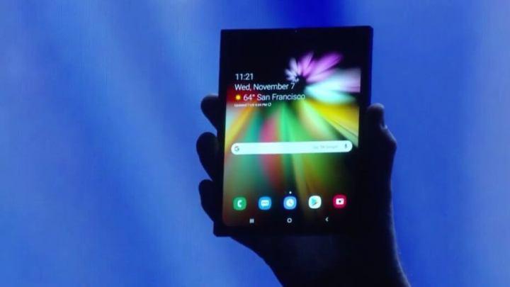 Galaxy F, o smartphone dobrável, terá uma tela de 7.3 polegadas quando aberto