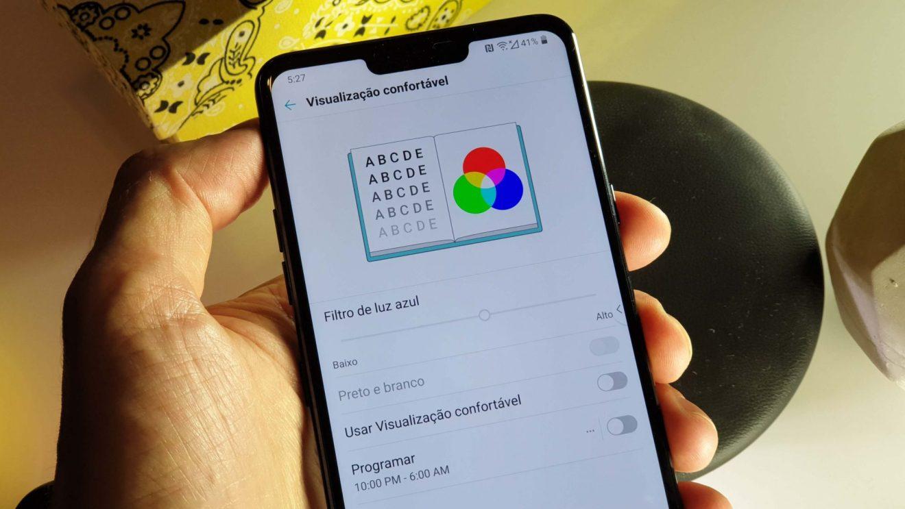 Foto explicativa de como ativar o modo de leitura do LG G7 ThinQ
