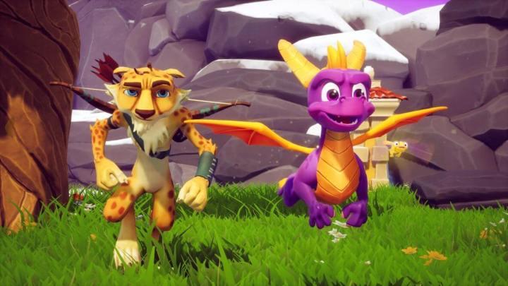 O dragãozinho roxo nunca enfrenta uma aventura sozinho em Spyro: Year of the Dragon.