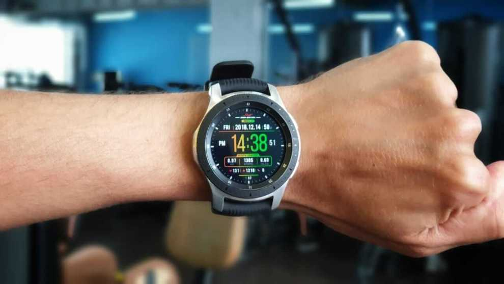 409bfca79b0 REVIEW  Samsung Galaxy Watch LTE e Bluetooth no topo dos presentes ...