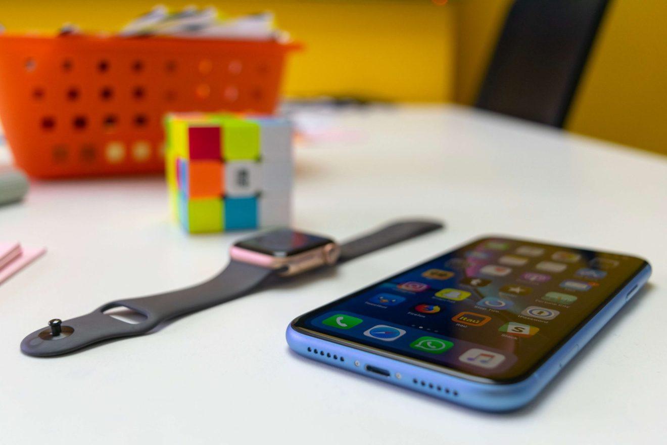 iPhone XR e Apple Watch Series 4