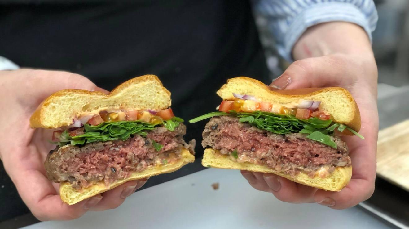 CES 2019: Impossible Burger 2.0 parece carne de verdade 3