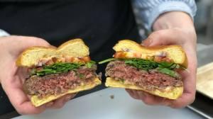 CES 2019: Impossible Burger 2.0 parece carne de verdade 15