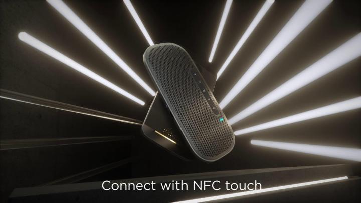 Além da conexão Bluetooth ele também tem conectividade USB-C e NFC