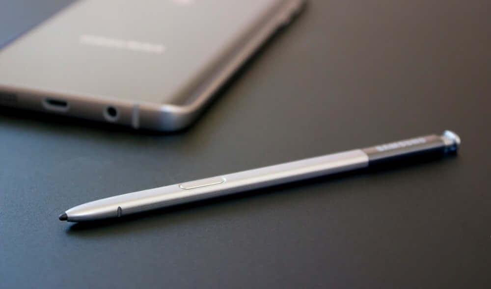 Patente da Samsung revela S-Pen com câmera espiã 4