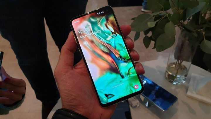 Review Galaxy S10e