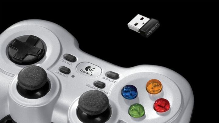 Review Logitech Gamepad F710