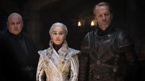 Varys, Daenerys e Sor Jorah no segundo episódio da oitava temporada de Game of Thrones. Foto: Divulgação/HBO.