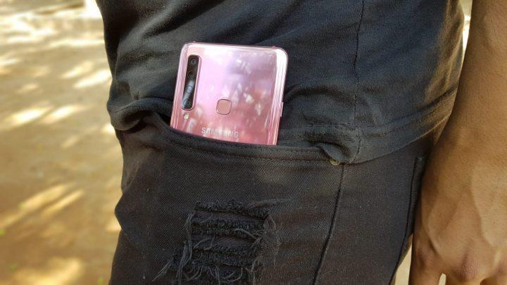 Smartphone da Samsung tem como destaque a sua câmera traseira, porém nenhum se destaca