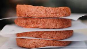 Produzido pela foodtech Fazenda Futuro, o Futuro Burger já pode ser adquirido em supermercados