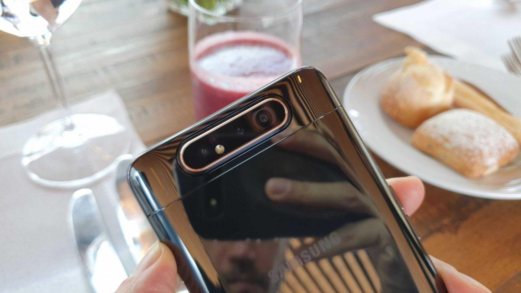 Com um preço de R$ 3.499,00, o Galaxy A80 chega ao Brasil dia 5 de agosto