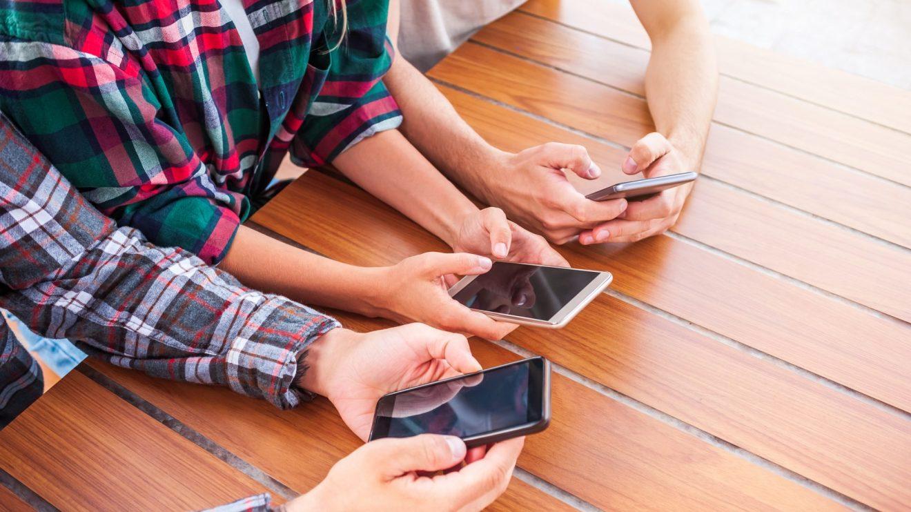 Smartphones mais buscados em junho no Zoom