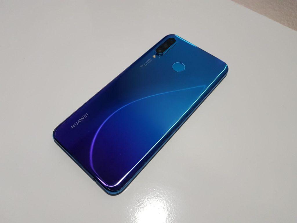 Smartphone da Huawei tem a dura missão de competir com os campões de vendas no Brasil