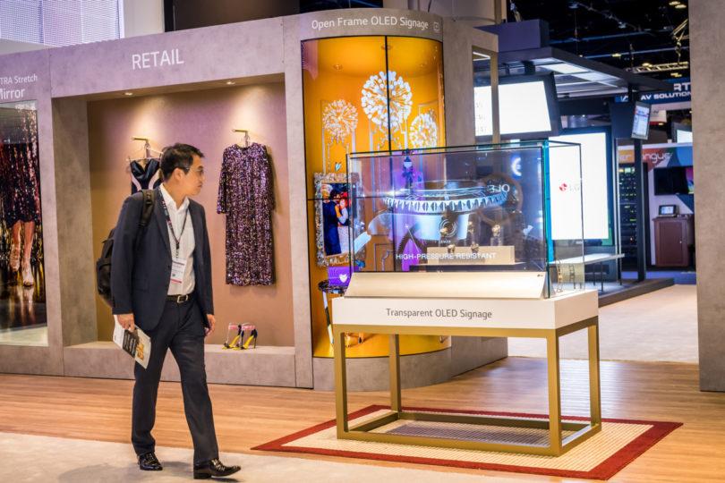 Tela OLED transparente foi o grande destaque da InfoComm 2019