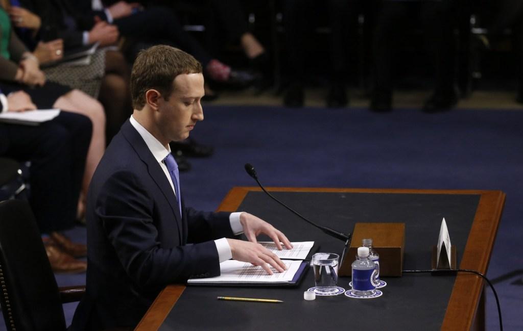 Privacidade Hackeada irá abordar o escandalo que levou Zuckerberg ao senado americano.