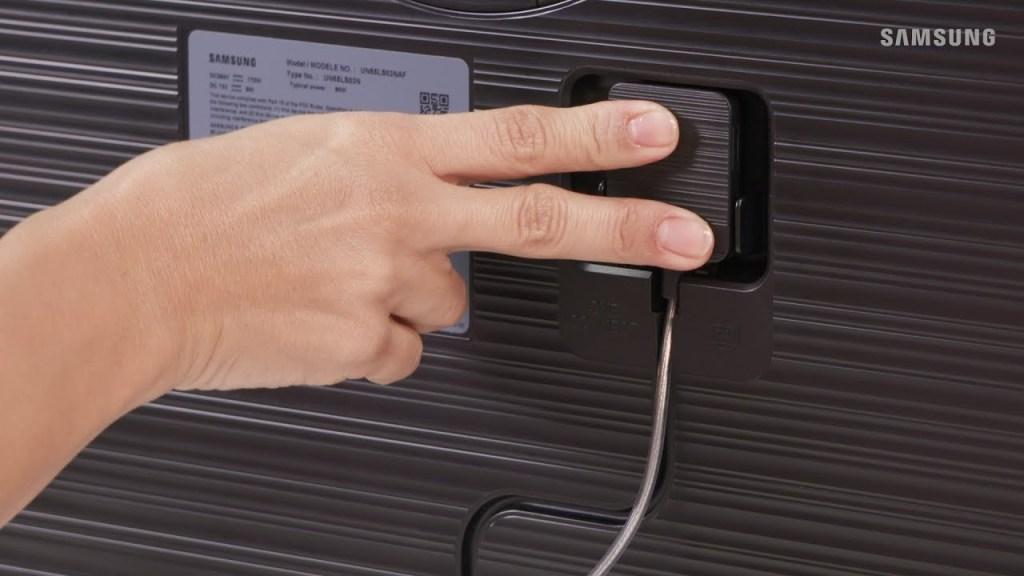Sistema único de conexão dispensa o uso excessivo de cabos e mantém visual mais limpo