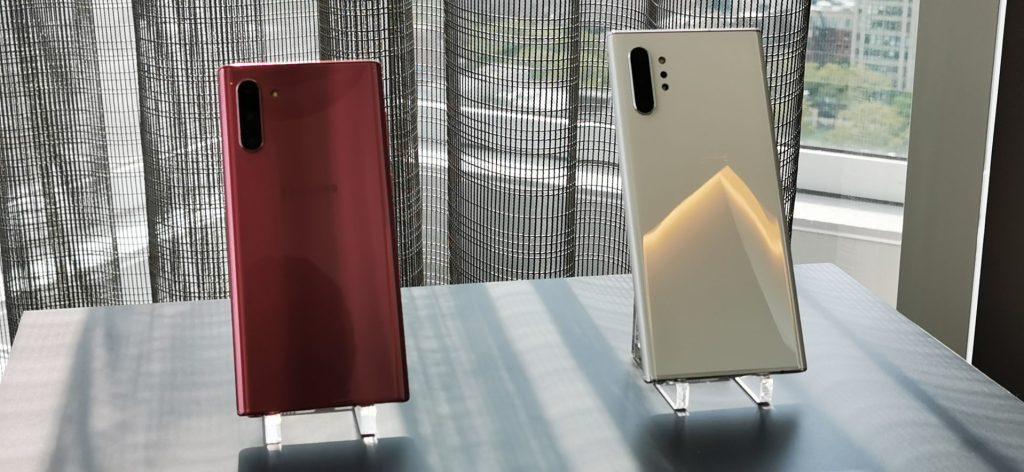 Galaxy Note 10 e Note 10+ lado a lado