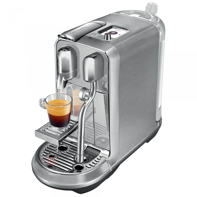 """Na Creatista você configura até a """"dureza' da água, em busca do café perfeito."""