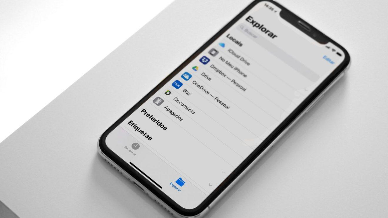 iPhone XS com diversos serviços em nuvem