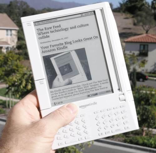 Kindle 1024x1004 - Debate: estamos caminhando para um mundo sem livros?