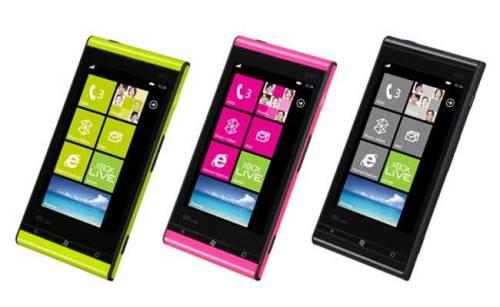 Fujitsu Toshiba IS12T 1 500x307 - Fujitsu e Toshiba apresentam smartphone com Windows Phone Mango