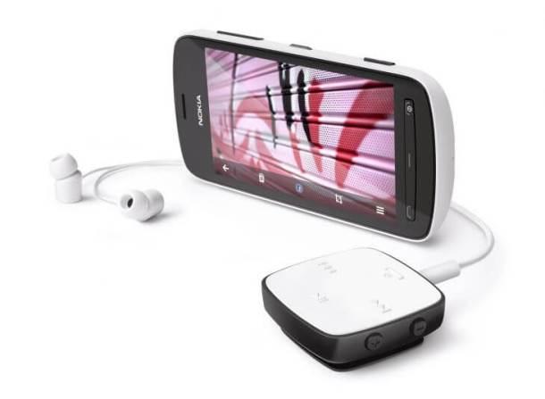700 nokia 808 pureview with stereo bluetooth headset bh 221 610x447 - Nokia 808 PureView também começa a ser vendido no Brasil