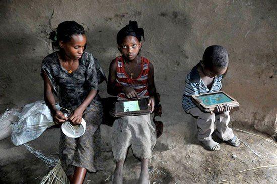 ethiopia-tablet-kids-Motorola-Xoom
