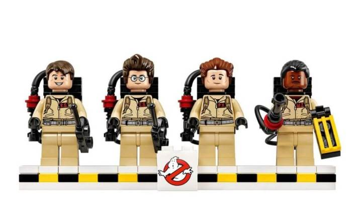lego ghostbusters ecto 1 minifigure lineup1 - Vazam as primeiras imagens do kit Lego Ghostbusters