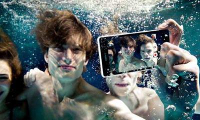 assista-o-unboxing-do-xperia-z3-dentro-de-uma-piscin