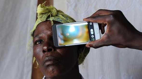 app ebola smartphone - Aplicativo realiza exame sanguíneo a procura do vírus Ebola