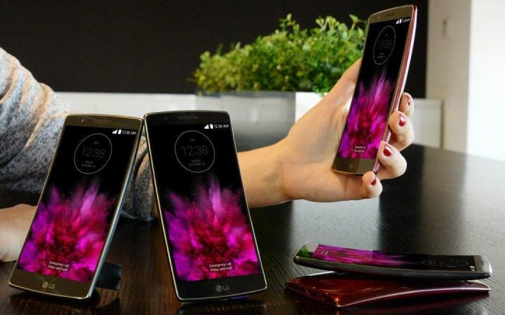 1080x675xlg g flex2 2 1080x675 jpg pagespeed ic   ljvgbh5n 720x450 - Veja o que já rolou no Mobile World Congress 2015