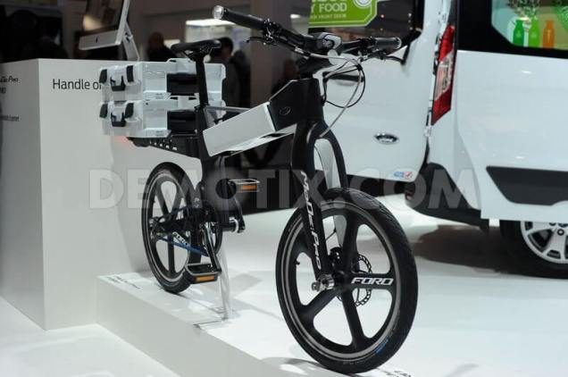 1425407398-the-ford-smart-mobility-plan-presented-in-mobile-world-congress-2015_7031301