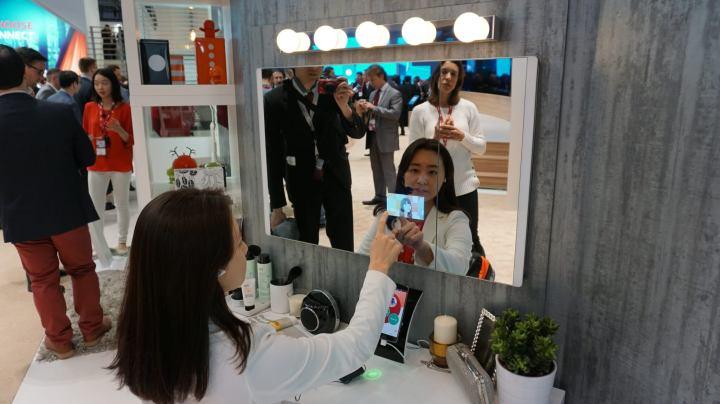 dsc00505 720x404 - MWC15: LG demonstra espelho inteligente que avalia a saúde do usuario