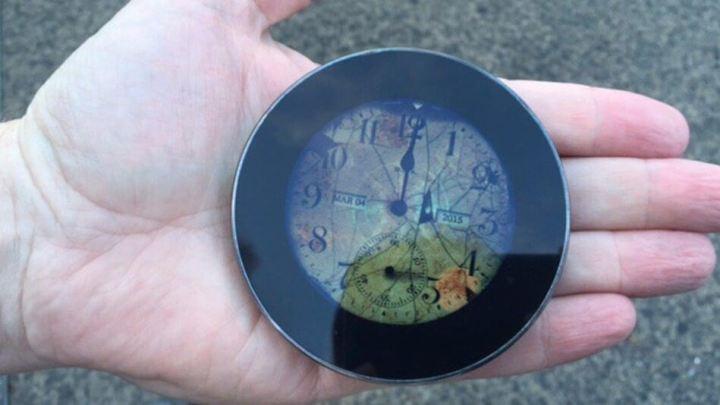 runciblephone 720x405 - Máquina do Tempo: Runcible, um smartwatch com jeito retro